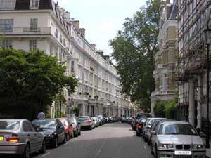 Foreign buyers and lax policy inflating London housing bubble, warns Ernst & Young