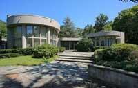 Whitney Houston's many properties comprise her billion-dollar estate